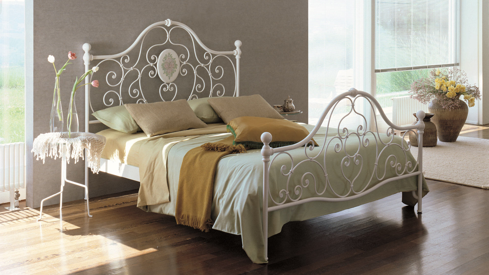 cannes romantisches bett ferrobed ferrobed. Black Bedroom Furniture Sets. Home Design Ideas
